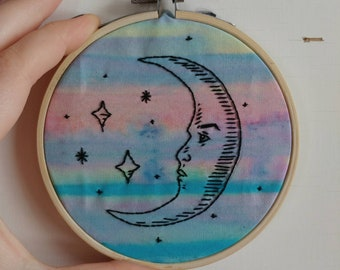 LA LUNA hand embroidery