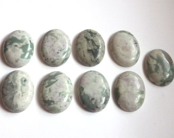 1 x Peace Jade Oval Cabochon - 18x25mm