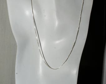 Sterling light box chain. 18 inches.