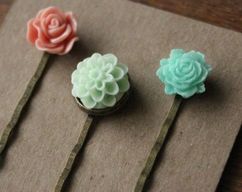 Antiqued Brass Hair Pins - Flowers - Rose, Mint Green