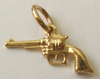 Genuine SOLID 9K 9ct YELLOW GOLD Revolver charm/pendant