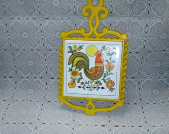 Vintage Rooster & Flowers Trivet Bright Cheery Yellow and Orange (4)