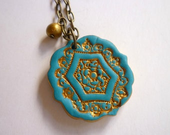 Auntie necklace, Aunt gift from nephew or niece, Vintage style Turquoise and Gold imprinted Pendant, Dear Aunt