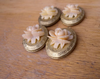 Vintage Flower Locket (4)