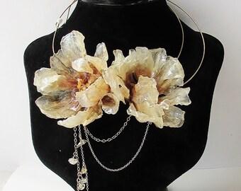 Real Flower Jewelry, Preserved Tulip Gold Choker/Wire Necklace, Handmade Botanical Jewellery, Resin Jewellery, Statement Wedding Jewellery