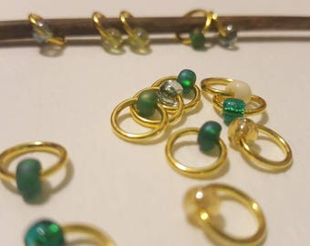 15 Stitch Markers with Bead / Snagless Round Ring Metal / Knitting