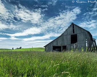 Photographie de paysage, Photo Vintage Grange, terres agricoles photographie, photographie en couleur, grand mur Art, décoration de la maison, Fine Art, bleu, vert d'archives