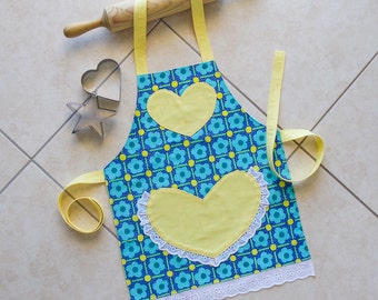 Kids Apron blue yellow, girls kitchen craft art play apron, childs cotton lined apron with heart pocket and lace, flowers print, Daisy Apron
