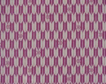 Tenugui Towel 'Purple Arrows' Yagasuri Fabric Japanese Cotton Gauze w/Free Insured Shipping
