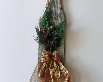 Primitive Weathered Barn Wood Holiday Wall Hanging
