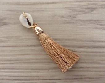 Cowrie and beige tassel pendant