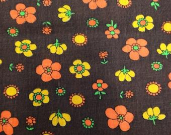 Vintage 1960s Orange Brown Daisy Print Cotton - 1 Yard - Fabric Yardage / Brown Orange Floral / 1960s Fabric / Vintage Floral Fabric