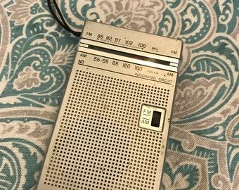 Vintage GE Pocket Radio