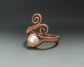 Elegant pearl ring, rustic copper ring, wedding bridesmaides jewelry, June birthstone jewellery, pearl jewellery