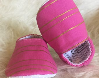 Baby Moccs: Pink Gold Stripes / Baby Shoes / Baby Moccasins / Childrens Indoor Shoes / Vegan Moccs / Soft Soled Shoes / Montessori Shoes