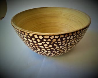 Mosaic covered bamboo Bowl has the egg shell
