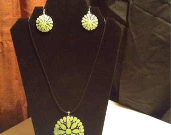 Green turquoise inspired gourd necklace and earring set