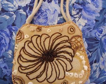 Vintage hand beaded beads and shells purse Benini bag
