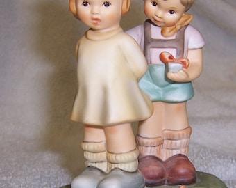 Classic 1996 Goebel Berta Hummel Token Of Love Figurine BH20