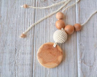 Simple pendant nursing necklace for mom, breastfeeding &/or babywearing necklace, Crochet teething necklace