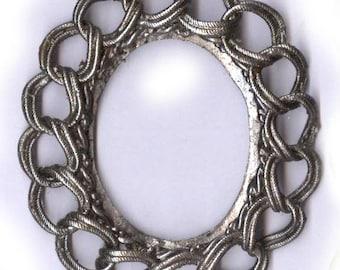 vintage silvertone frame shape finding CHAIN EDGE design antique frame shape focal finding vintage finding