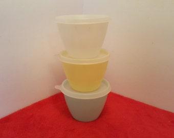 Vintage tupperware refrigerator bowls set of 3 with seals, tupperware #148