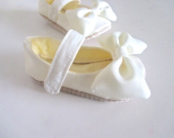 Baby Mary Janes in Ivory Satin Baptism Shoes