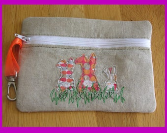 In The Hoop Raw Edge Fully Lined Applique Bunny ITH Zipper Bag, Purse, Make Up Bag, Pencil Case Embroidery Design.