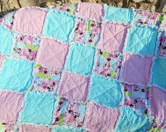 Minnie Mouse Throw Blanket/ Disney Character Throw Quilt/ Childrens Throw Blanket/ Gift/ Ragged Quilt
