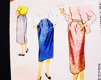 1950s Skirt Pattern size 14 Waist 26 Womens Straight Knee Length Skirt with Pockets Vintage Sewing Pattern