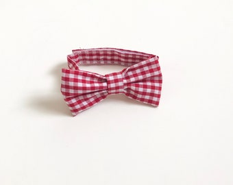 Red checked Bow Tie ~ Baby Bow tie ~Res white bow ~ Daddy and me bow tie~ page boy bow tie~ wedding bow tie~ Spring bow~ groomsmen tie