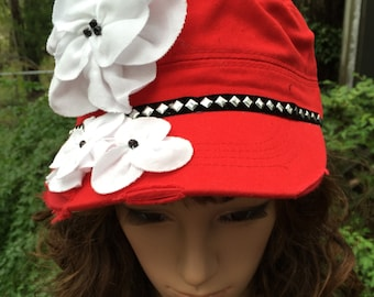 Cap with Vintage Look in Red with White Fabric Flowers
