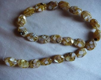 Beads, Mother of Pearl Shell and Resin, assembled, 18x14mm Flat Oval, Shades of Brown.  Sold per 16 inch strand.