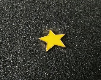 Star Pin // Lapel Pin // Enamel Lapel Pin // Hard Lapel Pin