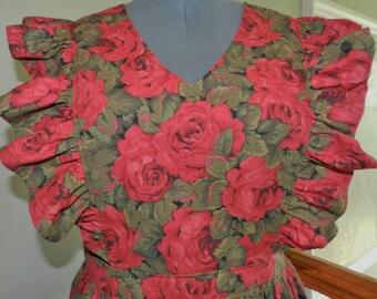 Rose Garden pinafore apron