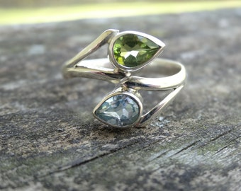 Natural Blue Topaz & Peridot Sterling silver RING Size 10.5 - Sterling Silver Ring- Peridot Ring - Natural Stone Ring - ring size 10 11