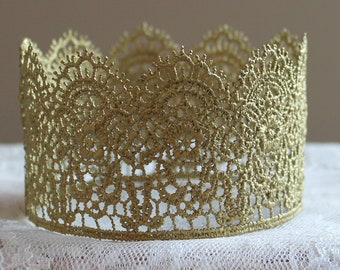 Gold crown-Lace