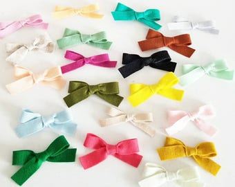 Mystery Grab Bag - 5 assorted bows. Hair clips or Headbands