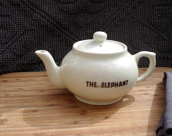 "French vintage teapot ""thé de l éléphant, FD Chauvigny two-cup  teapot advertising French tea brand ""thé de l éléphant"",  made in France"
