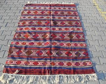kilim rug free shipping VINTAGE TURKİSH balıkesir kilim Anatolian handwoven kilim decorative kilim - SİZE : 58'' X 90'' ( 145 cm X 225 cm)