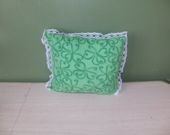 Green shamrock fleece pillow with lace, decorative pillow, small throw pillow, St Patricks Day decor, shamrock cushion
