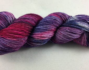 hand dyed sock yarn, colorway TERI'S IDEA, superwash merino wool and nylon, fingering weight yarn