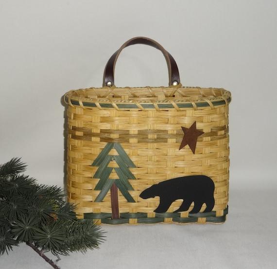 mail basket wall basket handwoven basket bear. Black Bedroom Furniture Sets. Home Design Ideas