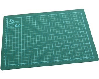 A4 Self Healing Cutting Mat, Great For Loads Of Crafts, Card Making, Card And Paper Crafts To Name Just A Few HB270