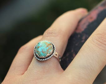 Size 6.5, Sterling Silver Turquoise Ring, Scalloped Bezel