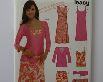 New Look 6571  - Complete Wardrobe - 2 dress styles, 2 style tops,skirt and belt.