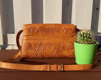 vintage mexican tooled leather purse with hummingbird roses handmade in mexico hippie boho- 70s
