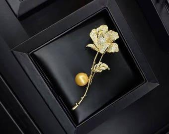 Rose flower freshwater pearl brooch