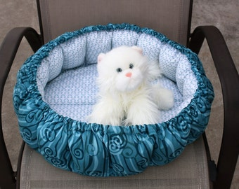 Cat Bed, Indoor Cat Bed, Round Cat Bed, Fabric Pet Bed. Pet Bedding, Pet Supplies, Teal Pet Bed, Washable Pet Bed, Puffy Cat Bed, Cat Bed