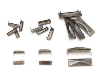Rectangle de ton argent antique Pyramide boucles d'oreilles pointes taches 62pcs variété Pack clous en métal rectangulaire 2 broches en cuir Punk Biker 6225